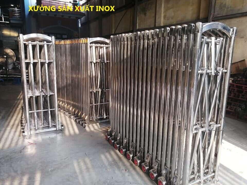 Xưởng sản xuất cổng xếp inox tại TP.HCM