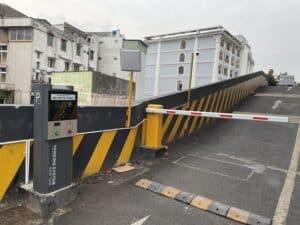 Máy phát hành thẻ bãi xe